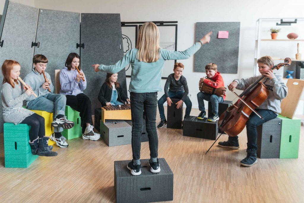 Kinderhocker Xbrick für flexible Lernlandschaften