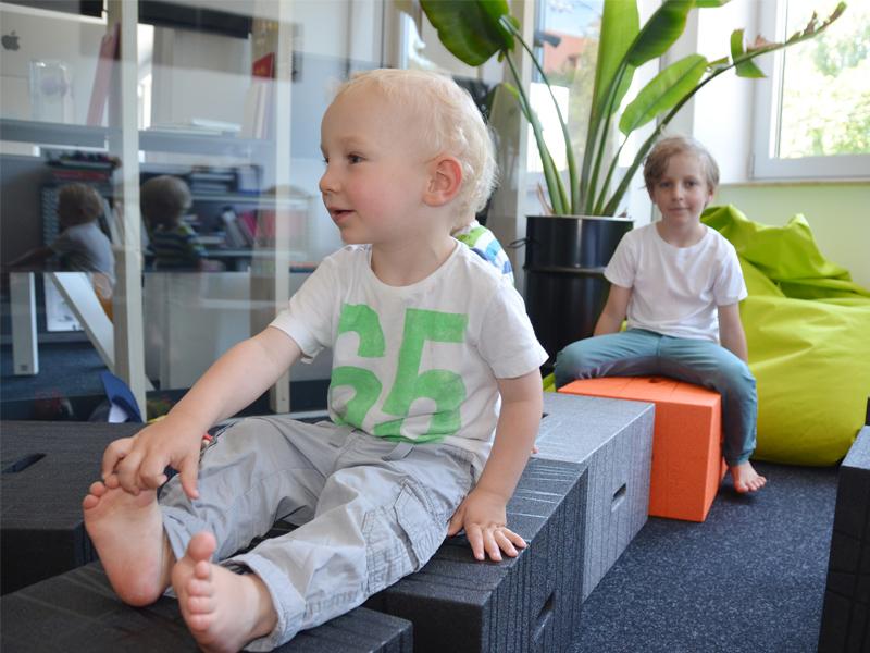 Xbrick® Sicherheit für Kinder: Geruchlos und frei von Weichmachern kann Xbrick unbedenklich in Verbindung mit Lebensmitteln oder als Spielzeug verwendet werden.