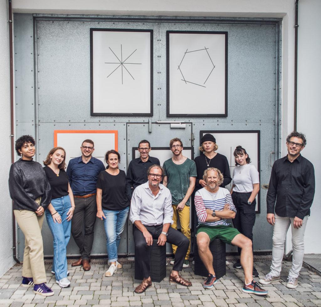 Das Team von Xbrick stellt das Flomo Board vor